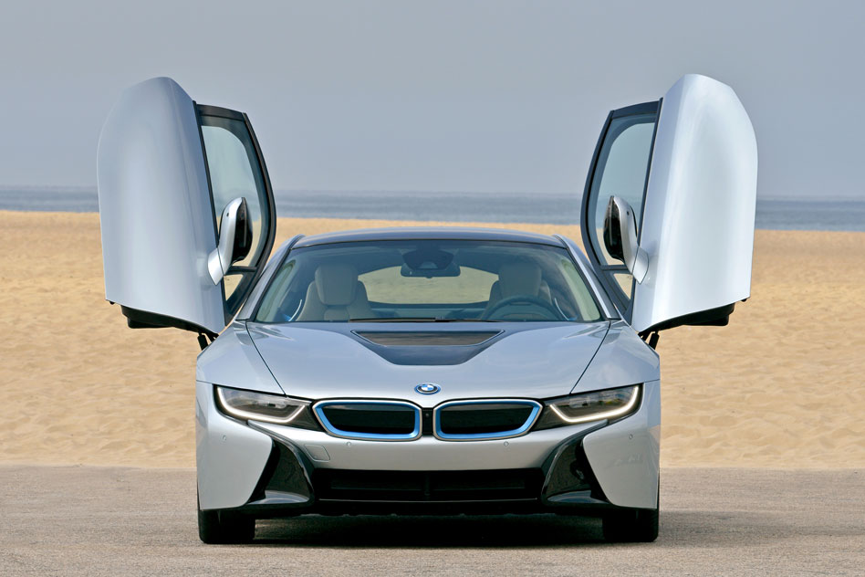 BMW-2014-i8-on-the-road-47