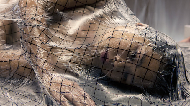 Lucy-McRae-preparing-human-body-for-space-travel 01 644